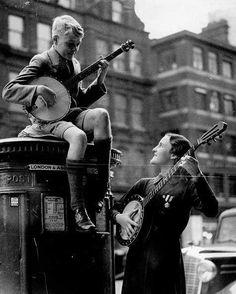 バンジョー「Banjoists Invade」:写真・画像(2)[壁紙.com]