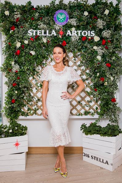 Kate Beckinsale「Joie de Biere At The Wimbledon Championships With Stella Artois」:写真・画像(4)[壁紙.com]