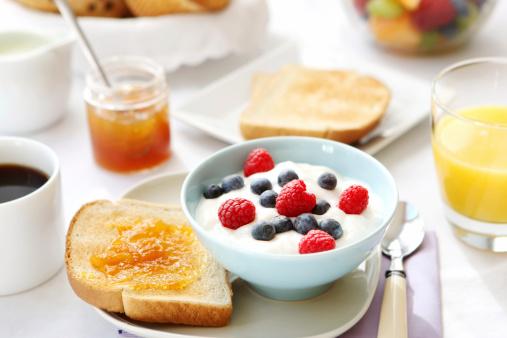 メロン「朝食用テーブル」:スマホ壁紙(17)