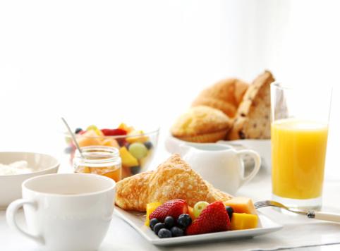 メロン「朝食用テーブル」:スマホ壁紙(3)