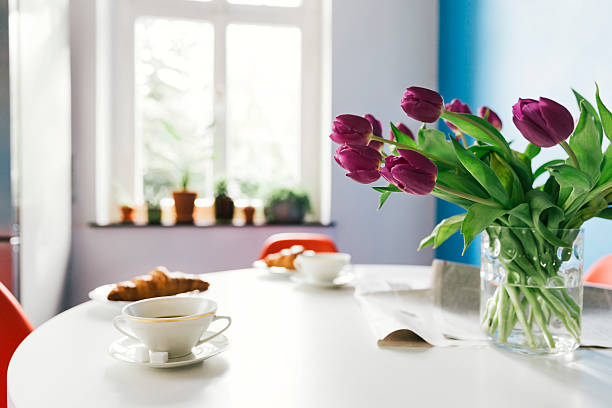 Breakfast table with tulips, croissants and cups of coffee:スマホ壁紙(壁紙.com)