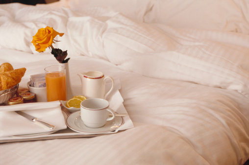 Breakfast「Breakfast Tray on Bed」:スマホ壁紙(6)