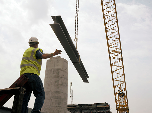 Balance「Steel Beam delivery on a construction site」:写真・画像(7)[壁紙.com]