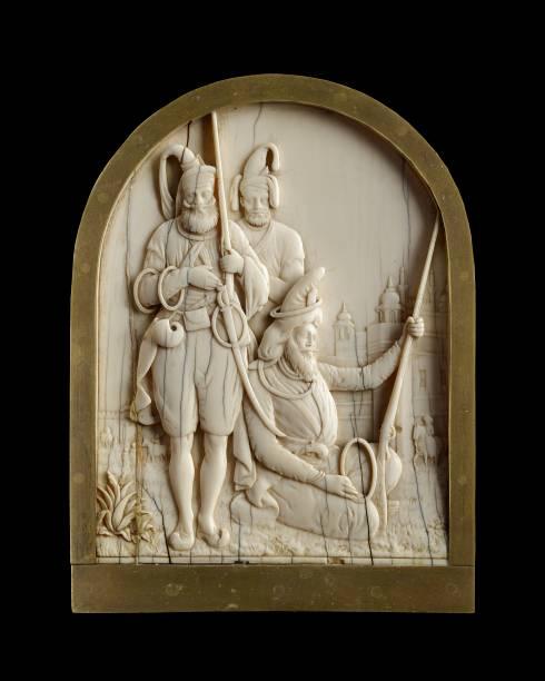 Ivory Plaque Depicting Three Sikh Warriors:ニュース(壁紙.com)