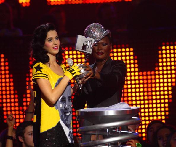 Fingerless Glove「MTV Europe Music Awards 2008 - Show」:写真・画像(3)[壁紙.com]
