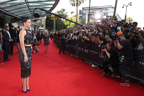 Halter Top「28th Annual ARIA Awards 2014 - Arrivals」:写真・画像(8)[壁紙.com]
