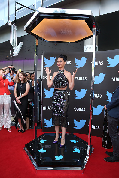 Halter Top「28th Annual ARIA Awards 2014 - Arrivals」:写真・画像(11)[壁紙.com]