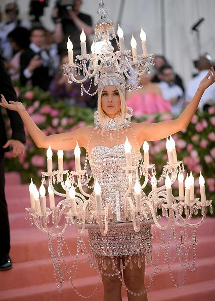 Chandelier「The 2019 Met Gala Celebrating Camp: Notes on Fashion - Arrivals」:写真・画像(8)[壁紙.com]