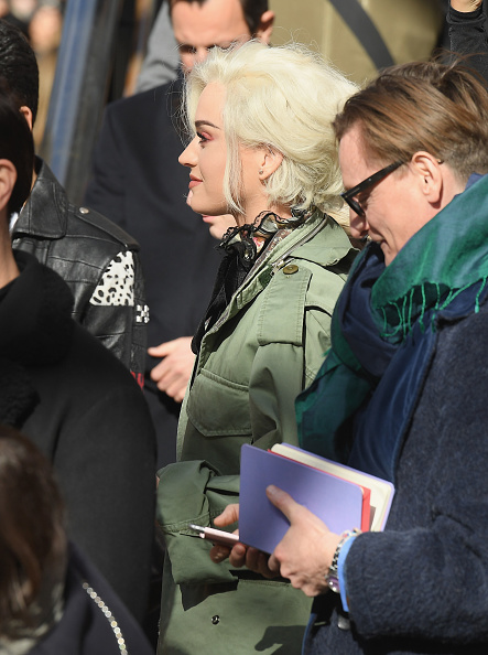 Armory「Marc Jacobs Fall 2017 Show - Front Row」:写真・画像(3)[壁紙.com]