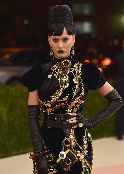 ペンダント「'Manus x Machina: Fashion In An Age Of Technology' Costume Institute Gala - Arrivals」:写真・画像(14)[壁紙.com]