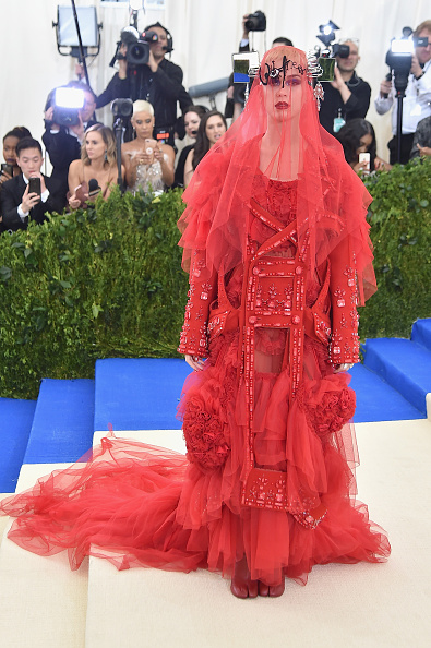 Full Length「'Rei Kawakubo/Comme des Garcons: Art Of The In-Between' Costume Institute Gala - Arrivals」:写真・画像(8)[壁紙.com]