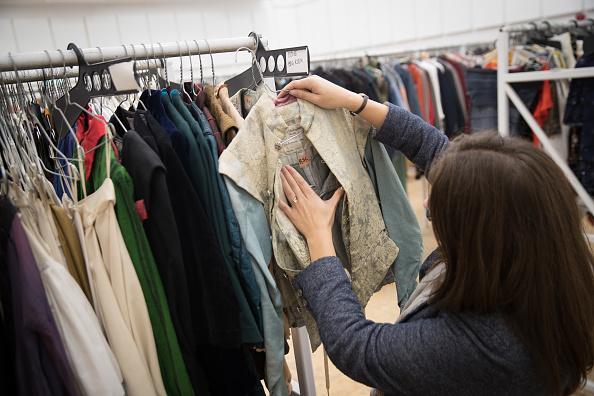 Second Hand Sale「Royal Shakespeare Company Hold 'Costume Jumble Sale'」:写真・画像(13)[壁紙.com]