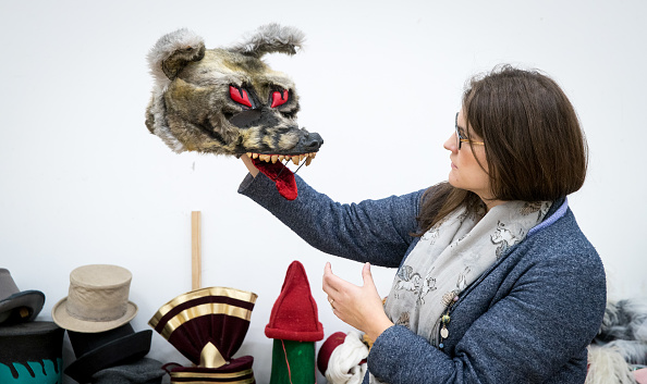 Second Hand Sale「Royal Shakespeare Company Hold 'Costume Jumble Sale'」:写真・画像(0)[壁紙.com]