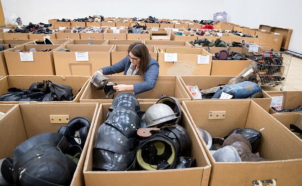 Second Hand Sale「Royal Shakespeare Company Hold 'Costume Jumble Sale'」:写真・画像(17)[壁紙.com]
