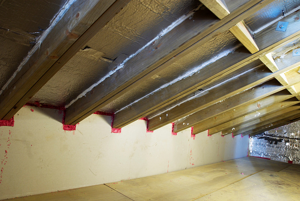 Loft Apartment「Wall and roof sealed and insulated in loft of Victorian house」:写真・画像(10)[壁紙.com]
