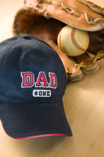 父親「Hat that reads Dad #One with baseball mitt and ball」:スマホ壁紙(15)