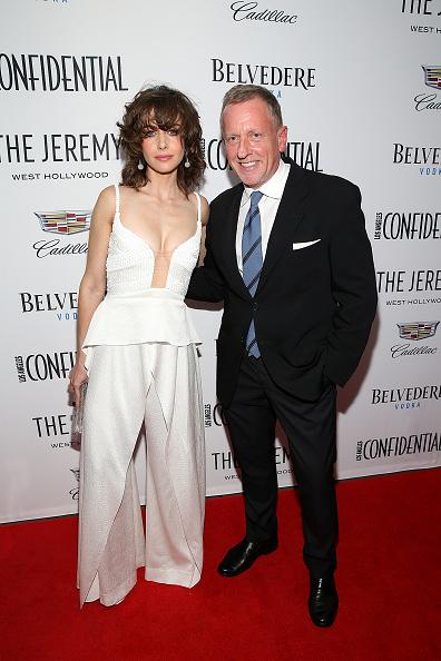下襟「Los Angeles Confidential, Alison Brie and Cadillac celebrate annual Awards Event with Belvedere Vodka at The Jeremy West Hollywood」:写真・画像(15)[壁紙.com]
