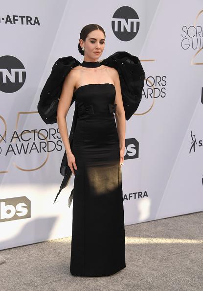 Alison Brie「25th Annual Screen ActorsGuild Awards - Arrivals」:写真・画像(15)[壁紙.com]