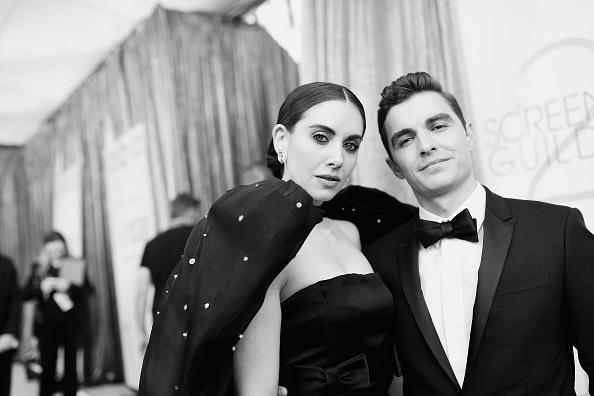 Alison Brie「25th Annual Screen Actors Guild Awards - Red Carpet」:写真・画像(11)[壁紙.com]