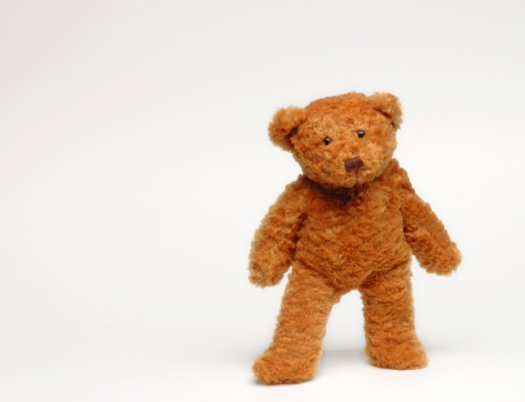 Standing「Brown teddy bear standing in white background」:スマホ壁紙(10)