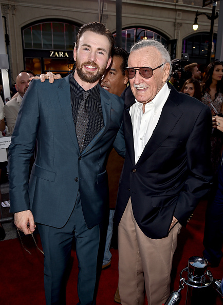 "Captain America「Premiere Of Marvel's ""Captain America: Civil War"" - Red Carpet」:写真・画像(7)[壁紙.com]"