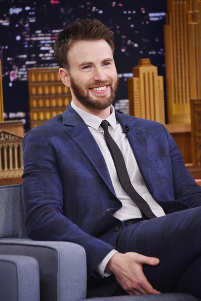 俳優「Chris Evans Visits 'The Tonight Show Starring Jimmy Fallon'」:写真・画像(13)[壁紙.com]