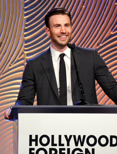 俳優「Hollywood Foreign Press Association's Grants Banquet - Show」:写真・画像(17)[壁紙.com]