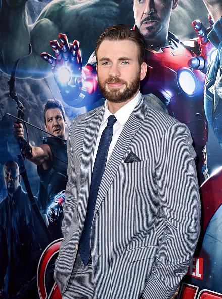 俳優「Premiere Of Marvel's 'Avengers: Age Of Ultron' - Red Carpet」:写真・画像(0)[壁紙.com]