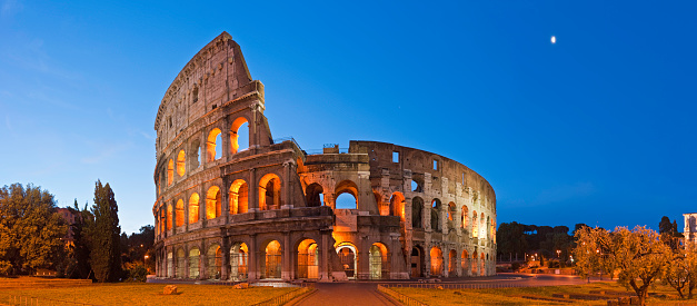 Roman Forum「Rome Coliseum Colosseo ancient roman amphitheatre Italy panorama blue moon」:スマホ壁紙(15)