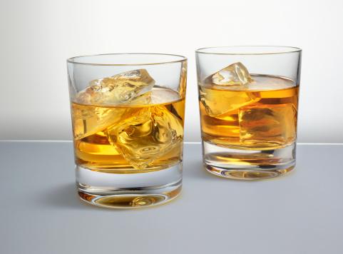 Whiskey「スコッチをオンザロック」:スマホ壁紙(14)