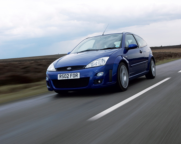 Country Road「2002 Ford Focus RS」:写真・画像(13)[壁紙.com]