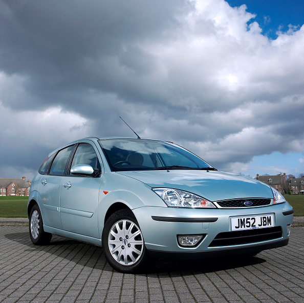 Efficiency「2002 Ford Focus」:写真・画像(12)[壁紙.com]
