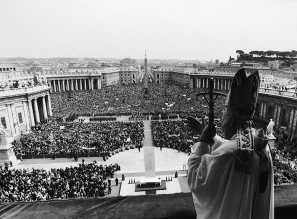 Town Square「Papal Blessing」:写真・画像(19)[壁紙.com]