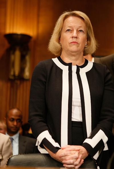 Waiting「Senate Committee Holds Hearing On Derivatives Oversight」:写真・画像(11)[壁紙.com]