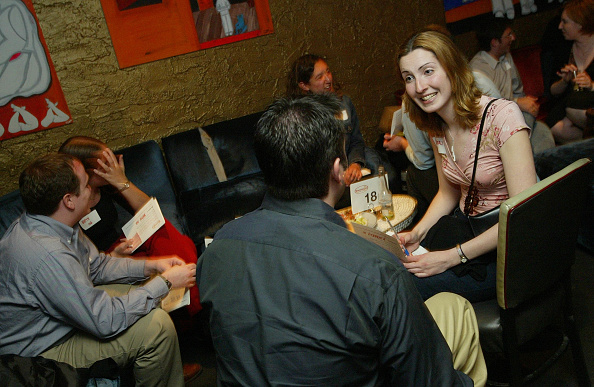 Romance「New York Singles Socialize During Speed Dating Sessions」:写真・画像(16)[壁紙.com]