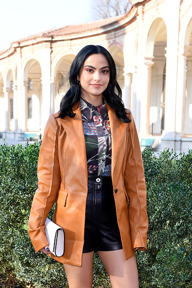 Camila Mendes「Salvatore Ferragamo - Arrivals - Milan Fashion Week Fall/Winter 2020/2021」:写真・画像(4)[壁紙.com]