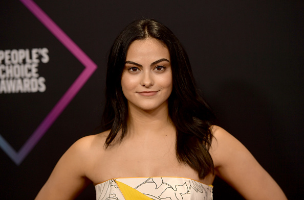 Camila Mendes「People's Choice Awards 2018 - Arrivals」:写真・画像(13)[壁紙.com]