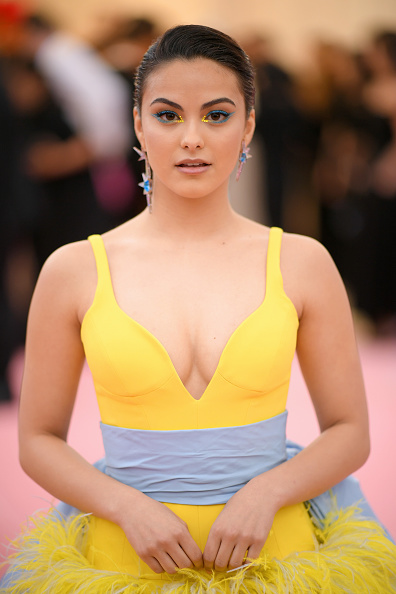 Camila Mendes「The 2019 Met Gala Celebrating Camp: Notes on Fashion - Arrivals」:写真・画像(10)[壁紙.com]