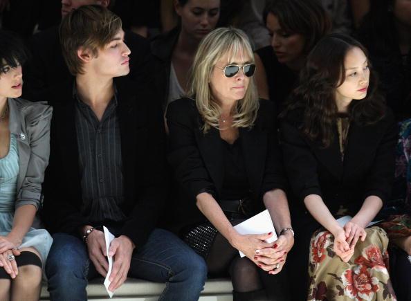 Lee Na「Burberry: Spring/Summer 2010 - London Fashion Week」:写真・画像(2)[壁紙.com]