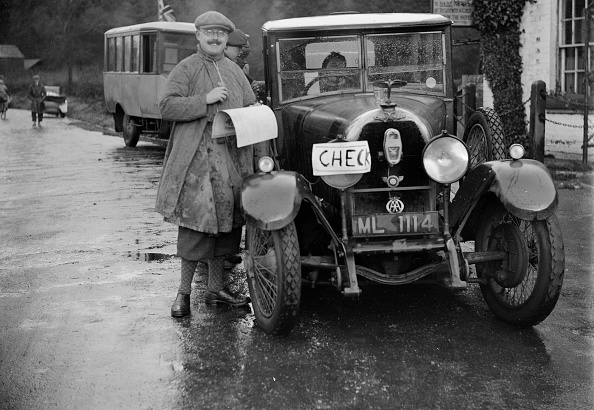 Wet「Austro-Daimler used as an official's car at the Inter-Varsity Trial, 1930」:写真・画像(12)[壁紙.com]