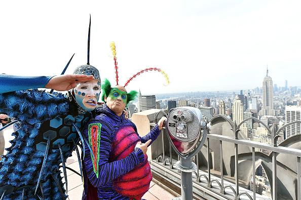 "Visit「Cirque Du Soleil ""OVO"" Visits The Top Of The Rock」:写真・画像(18)[壁紙.com]"