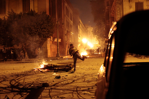 Giles「Egyptian Protesters Clash With Police」:写真・画像(17)[壁紙.com]
