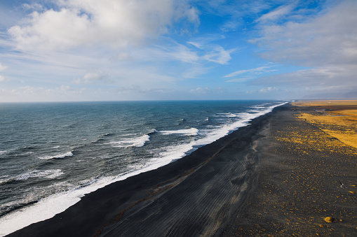 Basalt「Over black beach wild Arctic Ocean surf Iceland」:スマホ壁紙(9)