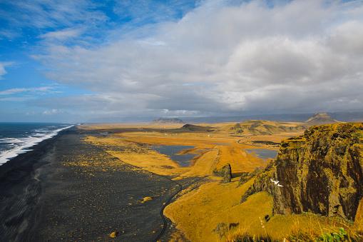 Basalt「Over black beach wild Arctic Ocean surf Iceland」:スマホ壁紙(12)