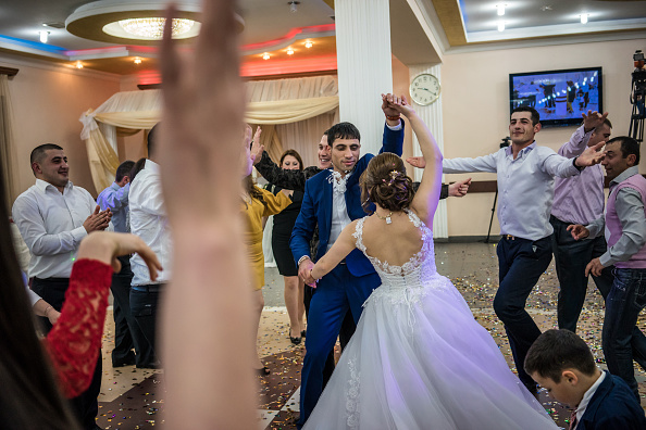 Wedding Reception「Life In The Nagorno-Karabakh State Conflict」:写真・画像(3)[壁紙.com]