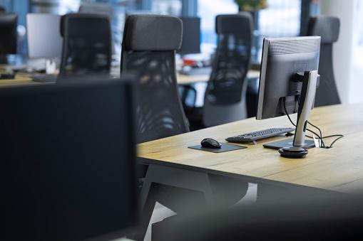 Empty Desk「View of empty call centre office」:スマホ壁紙(14)
