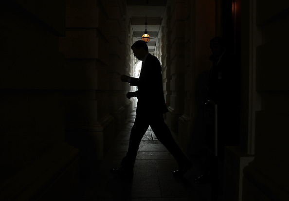 Silhouette「FBI Director James Comey Briefs Senators On Capitol Hill」:写真・画像(6)[壁紙.com]