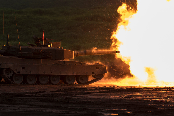 Tokai Region「Japan's Self-Defense Force Undergo Live Fire Exercise」:写真・画像(19)[壁紙.com]