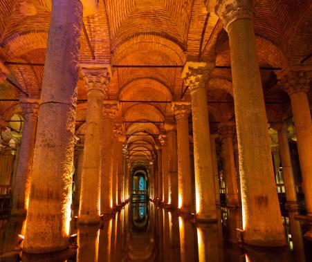 Architectural Column「Basilica Cistern In Istanbul, Turkey」:スマホ壁紙(19)