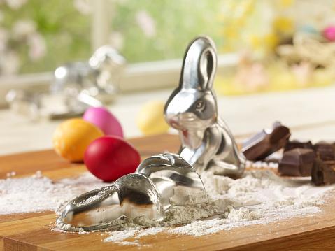 Rabbit「Eastern, Easter bunny baking dish and flour」:スマホ壁紙(7)